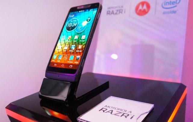Smartphone Motorola Razr i Android