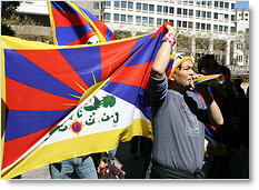 Manifestanti pro tibet